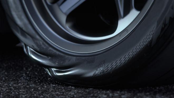Dodge Challenger Demon pneu